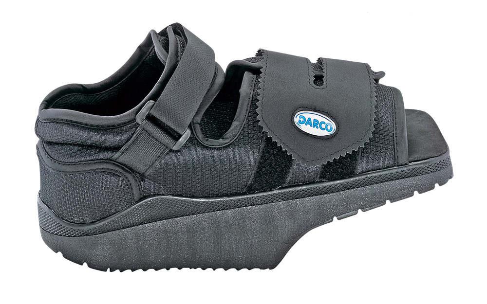 de394bec1a983c Après une opération : chaussure pour enfant, spécialement conçue pour la  décharge et la protection de l'avant du pied